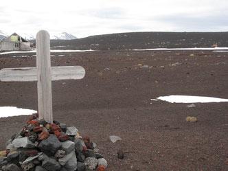 Neben den tausenden Walen starben hier auch Menschen.