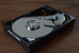 Festplatten (Hardware defekt kann zu Datenverlust führen)