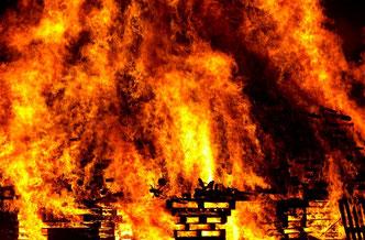 Feuer (kann zu Datenverlust führen)