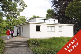 Reisegruppe am Haus am Horn in Weimar