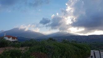 Blick von der Küste in das Taygetos-Gebirge
