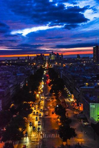 Die Champs Elysee - der wohl berühmteste Boulevard der Welt