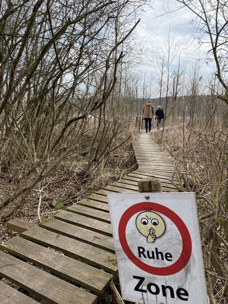 ©Oderbruch-blog Wandertipp Weg durchs Schilf zu einem Ausguck am Ufer des Parsteiner Sees