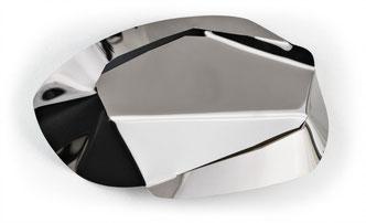 AXEL ANKLAM, Clime schwarz, 2017,  Edelstahl titanbeschichtet, schwarz, ca. 23 x 34 x 2 cm, € 2.000,--