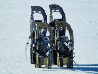 新雪が積もった後はスノーシューがあると歩くのが楽ちん。アプローチのトレイルが楽しくなります。