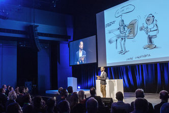 Stefan Wirkus wirkt bei Konferenzen als Redner und Speaker mit Cartoons als Protokollzeichner, Livezeichner, Scribble Speaker