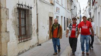 Por las calles blancas de los pueblos del Mediterráneo