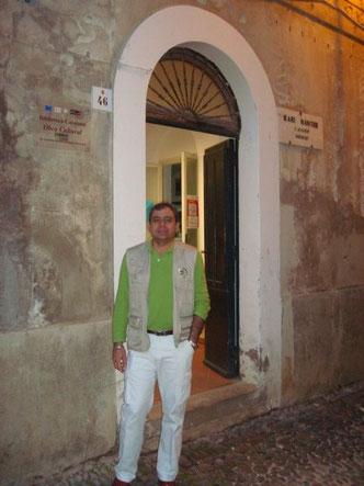 Héctor Cardozo en la sede de la Obra Cultural de l'Alguer i la UCEcn en Sardegna