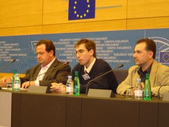 Intervención de Guillem Chacon en el Parlamento Europeo (Estrasburgo) en 2005