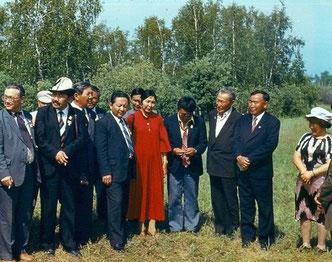 Гости музея-усадьбы П. А. Ойунского