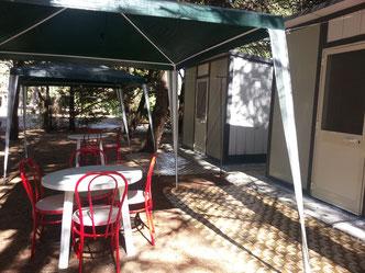 gazebo esterno camerette campeggio con letto salento