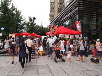 昨年の夏祭り。海外在住の親子にとって、日本の夏を体験できる貴重なイベント。