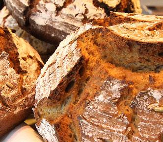 Frisches Brot aus Metzgerei Schwaiger in 83126 Flintsbach