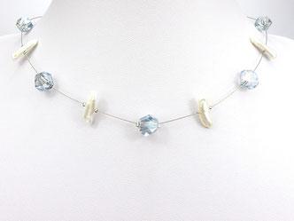 Halskette mit asymetrischen Glasperlen und Zuchtperlen blau weiß