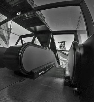 Zollverein Rolltreppe und Förderturm