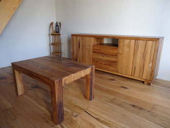 Sideboard in Eichen-Altholz, natur geölt, mit passendem Salontisch
