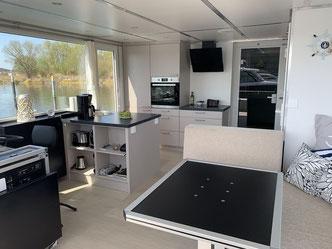 Hausboote mieten 5 Personen Brandenburg. Hausboot - Kueche.