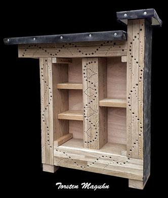 Insektenhotel Insektennisthilfe Nisthilfe  Bohrungen im Hartholz hard woodinsect hotel nisting aid wildbee bug house