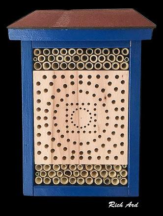 Insektenhotel Insektennisthilfe Nisthilfe Esche  ash Bohrungen im Hartholz hard woodinsect hotel nisting aid wildbee bug house Bohrungen im Hartholz Bambus