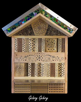 Insektenhotel Insektennisthilfe Nisthilfe Esche  ash Bohrungen im Hartholz hard woodinsect hotel nisting aid wildbee bug house Bohrungen im Hartholz MDF-Platten