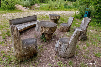 Totholz Sitzplatz Sitzgelegenheit Naturgarten wildlife garden dead wood deadwood  seat seating accommodation sitting accommodation