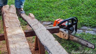 Wibinihi Wildbienennisthilfen Insektennisthilfen Insektenhotel Reinhard Molke Bau von Nisthilfen Eichenbalken Bohrungen im HartholzInsektenhotel  Reinhard Molke  Bohrungen Hartholz