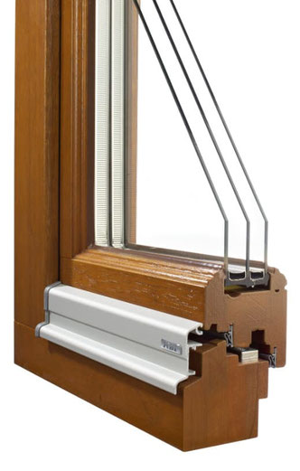 Fensterrahmen Holz, Meranti, rustikal profiliert, Mitteldichtung