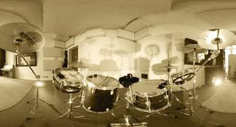 Schlagzeugaufnahme im Tonstudio Berlin für VR Film