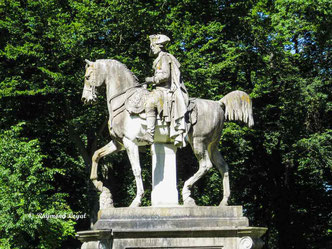 equestrian statue of frederic the great