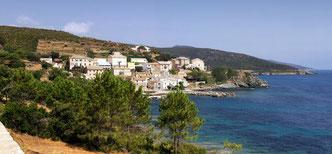 Le hameau de Porticciolo et son mini-port
