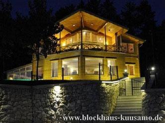 Design Blockhaus mit Panoramaplik ins Tal