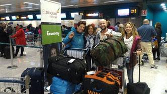 Turisti-volontari di Africa Milele in partenza alla volta di Chakama.