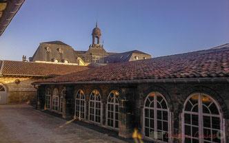 Terrasse côté Galerie Arnozan. CAPC Bordeaux, Centre d'Arts Plastiques Contemporains