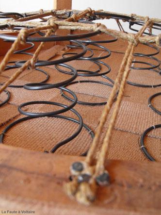 Restauration fauteuil méthode traditionnelle / Guindage / Ressorts /Tapissier Finistère / Vente de tissu d'ameublement