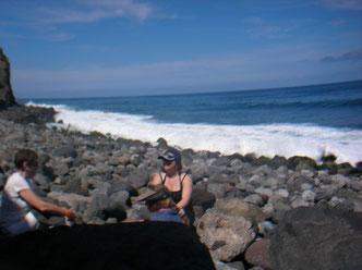 Wanderpause am Meer im Norden von Teneriffa