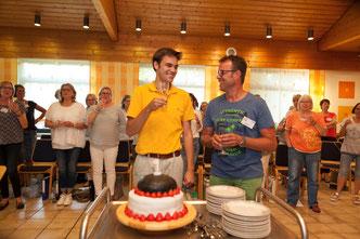 1 Jahr MCG: Chorleiter R. Huesca und Musikus-Vorstand Norbert Göbel freuen sich über das Jubiläum