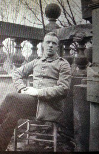 Carl um 1917