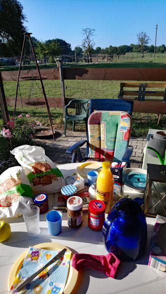 Frühstück am Stall