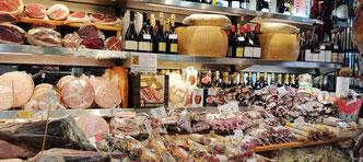 Гастротур по Риму - колбаски, сыры, фото
