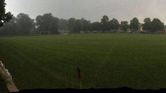 Starker Regen und Gewitter machten ein Weiterspielen unmöglich.      Foto:privat