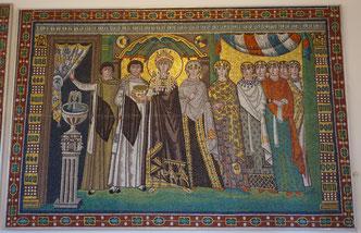 Kaiserin Theodora und ihr Hofstaat, Ravenna, San Vitale. Kopie, Römisch-Germanisches Zentralmuseum Mainz. Foto: Nina Möller