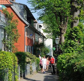 """Der 900 Meter lange """"Kapitänsweg"""", an Wochenenden dichtes Gedrängel, unter der Woche als """"Die Schiebestrecke"""" bei Radfahrern bekannt"""