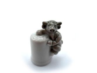 Dedal de porcelana, toro gris.