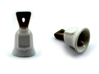 Dedales de porcelana, campanas blancas y marrón con escudo.