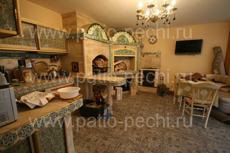 Фото барбекю комплекса с мангалом, вертелом, русской печью