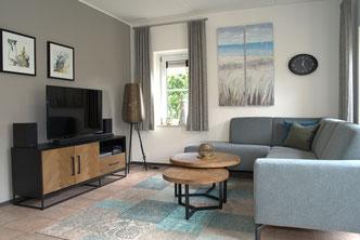 Wohnzimmer mit HD-Flachbild TV