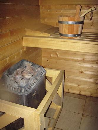 Sauna im Gartenhaus - Gartenlaube - Blockbohlensauna - günstig - Erfahrung - Gartensauna - Onlineshop - Sauna selber bauen