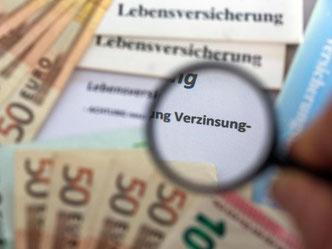 Mit dem Garantiezins können Kunden nach Abzug der Abschluss- und Verwaltungskosten sicher rechnen. Foto: Jens Büttner/Archiv/Symbolbild