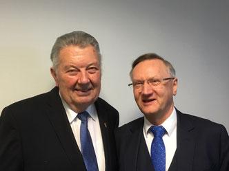 Horst Hansmann und Präsident des NFV Günter Diestelrath
