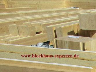 Massivblockhaus ohne Plastik - Naturhaus - Biohaus - Hausbau - Ausbauhaus - Gesundes Bauen mit Polarkiefer